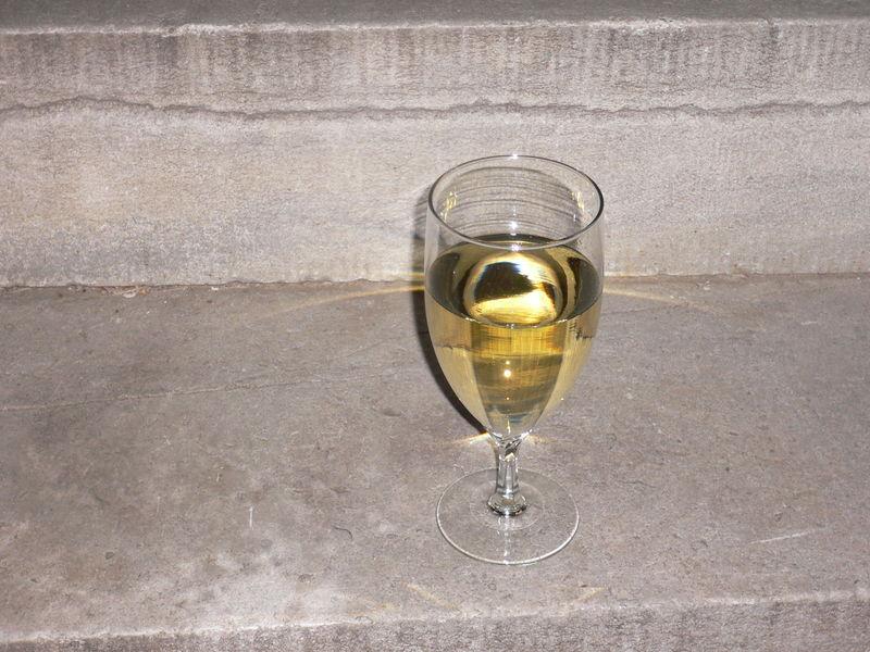 White wine 001